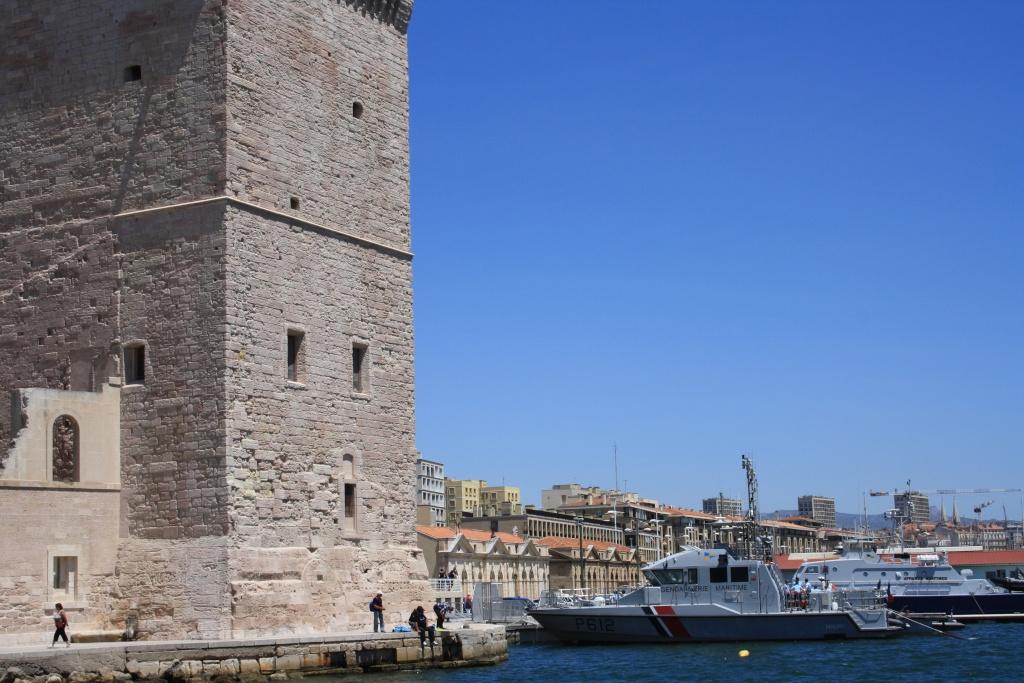 [Ports] Marseille aujourd'hui - Les îles du Frioul. - Page 4 06_07_18