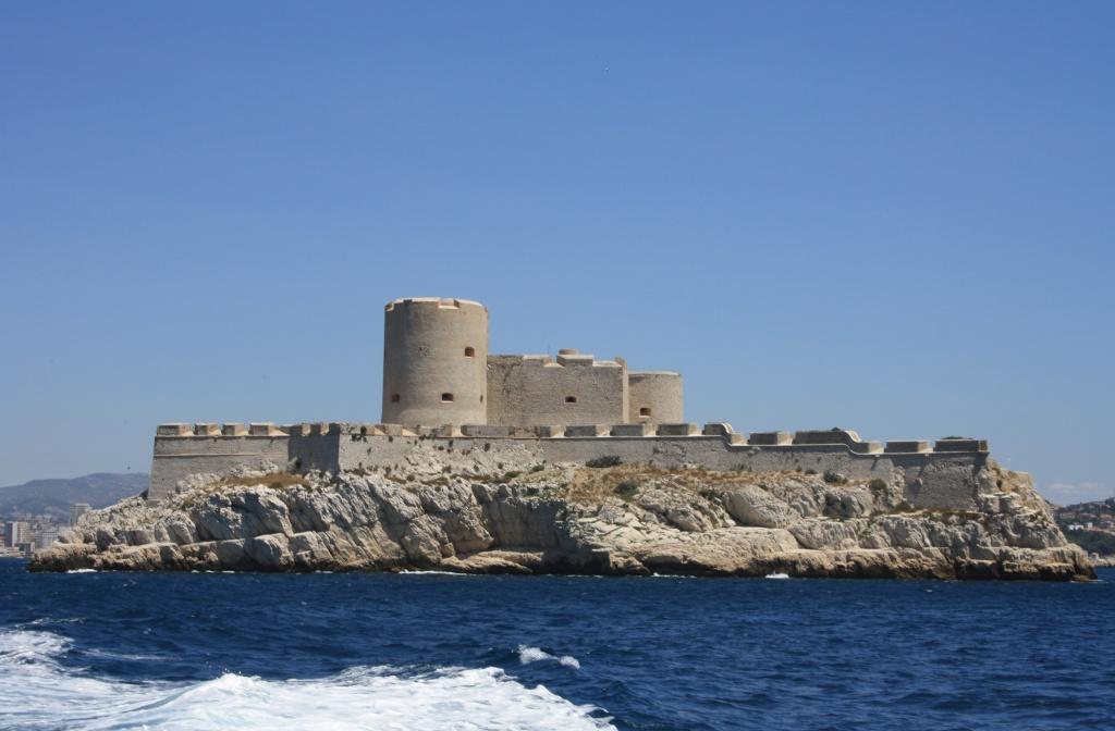 [Ports] Marseille aujourd'hui - Les îles du Frioul. - Page 4 06_07_23