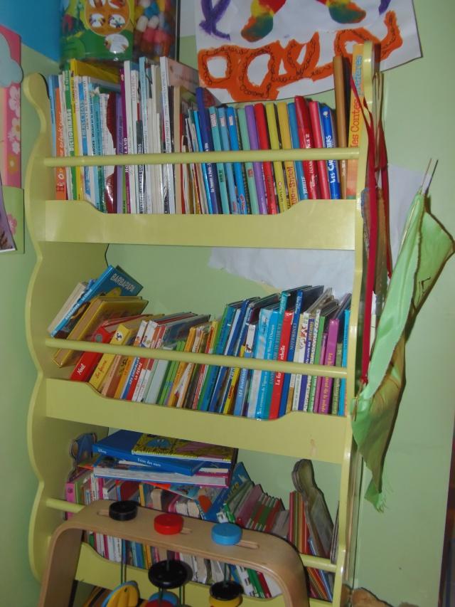 Photos - Et si on se montrait nos bibliothèques ? - Page 4 Pa030310