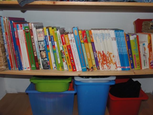 Photos - Et si on se montrait nos bibliothèques ? - Page 4 Pa030313