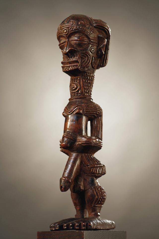 Bena Luluwa people, Male Priapic Figure, Bena Makuna, Southern Kasaï/Sankuru Region, Demba Area, Congo Bena_l10