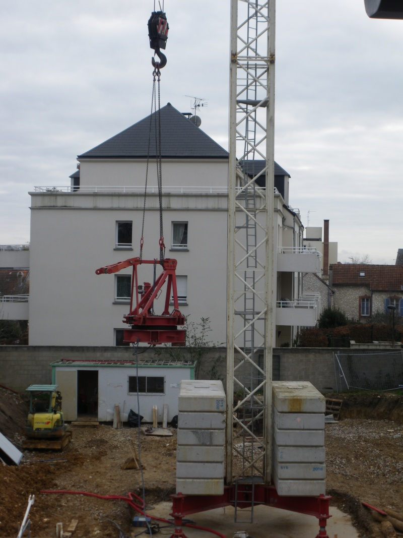 Les grues de ADEKMA Levage (France) 15010