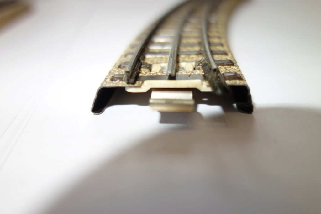 Voies Märklin anciennes et voie VB Trois rails - Page 2 Dsc01327