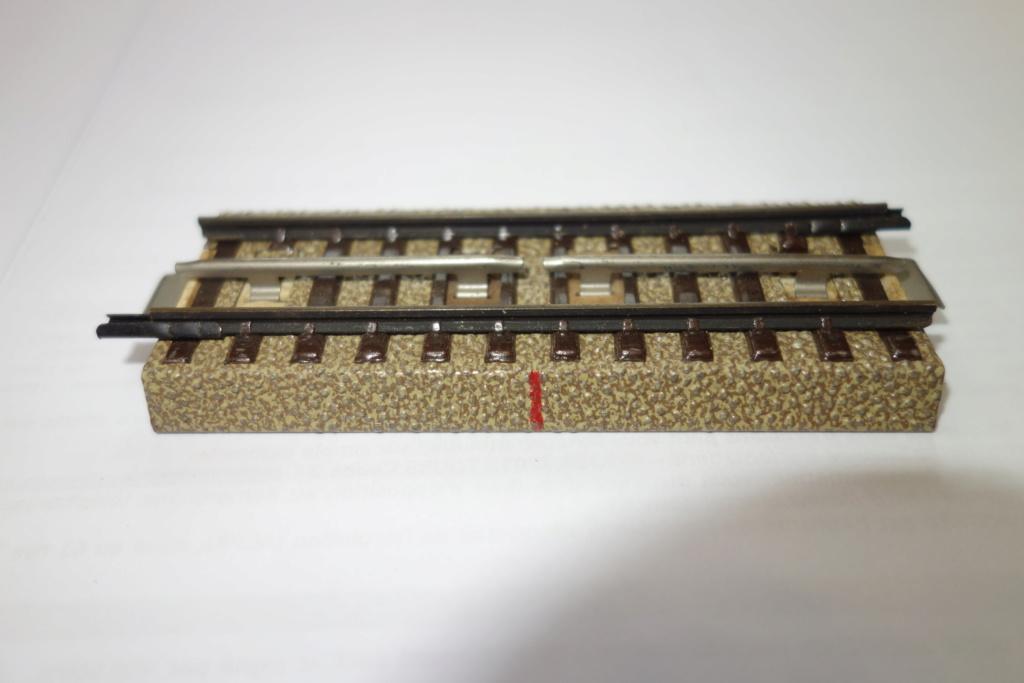 Voies Märklin anciennes et voie VB Trois rails - Page 2 Dsc01335