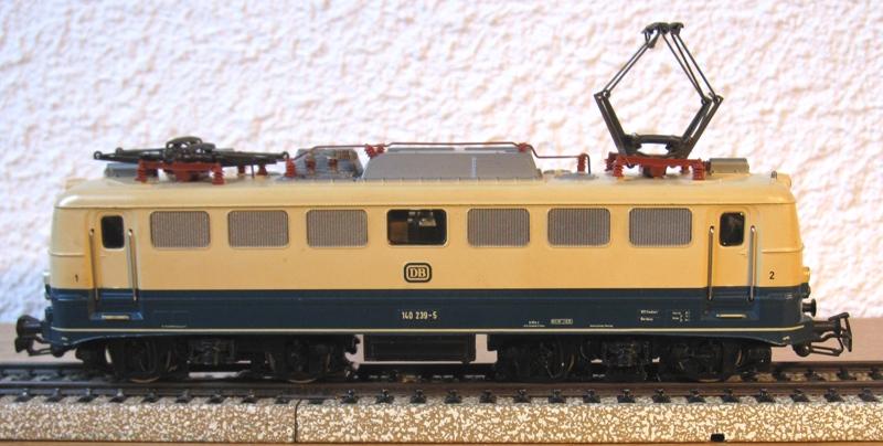 Voies Märklin anciennes et voie VB Trois rails - Page 18 Img_0021