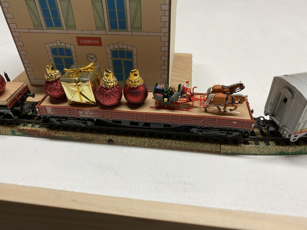 Train de sapin de Noël Img_1319