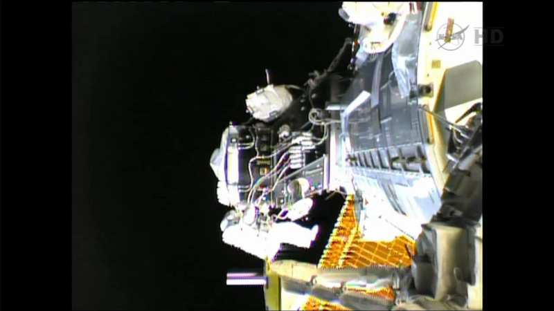 Expedition 36 (Déroulement de la mission) Eva2210