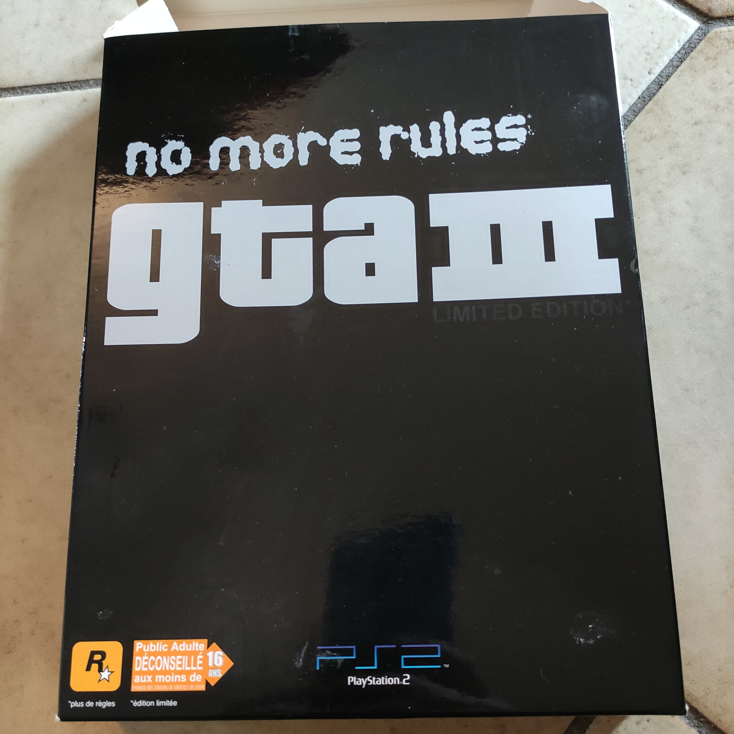 [Résolut] GTA 3 Edition collector PS2. Img_2018