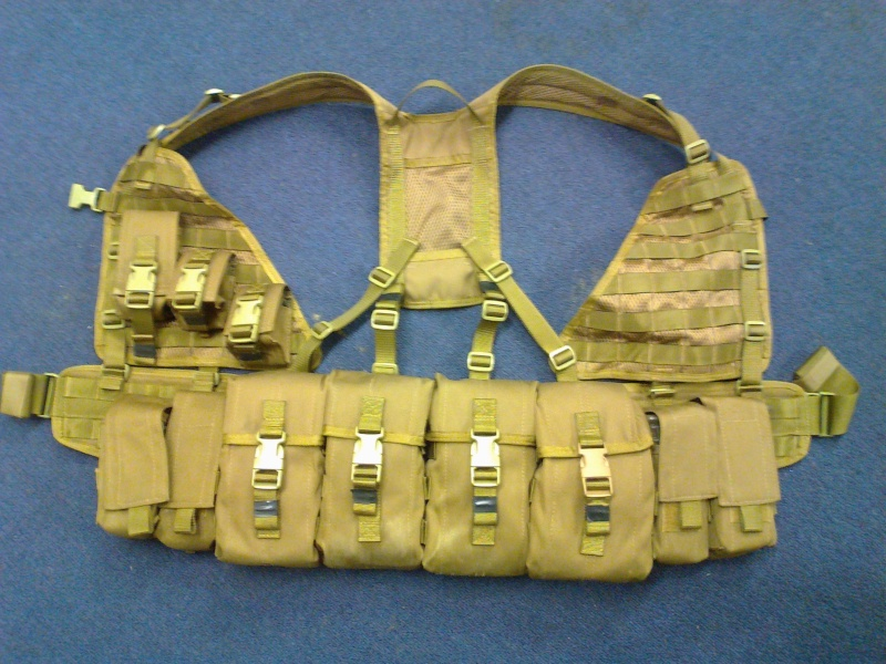 NZDF issue coyote brown molle Photo010