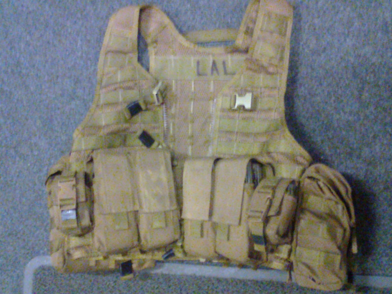 NZDF issue coyote brown molle Photo012
