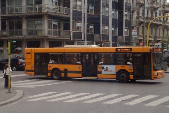Trovare linee e orari fermata autobus e metro di Milano - ATM Autobu11