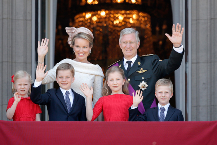 King Philippe and family Balcon10