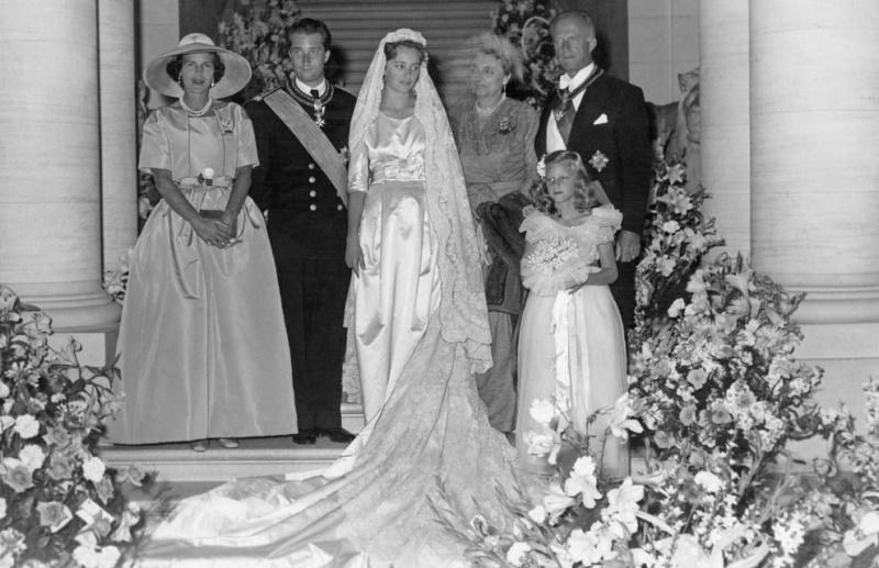 King Albert II (1934-) and Queen Paola (1937-) Weddin10