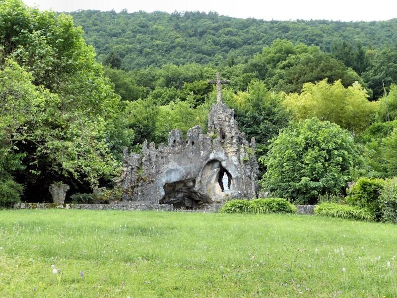 Les répliques de la grotte de Lourdes P1020010