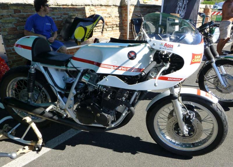 Brochette de Honda !!!!! P1040011