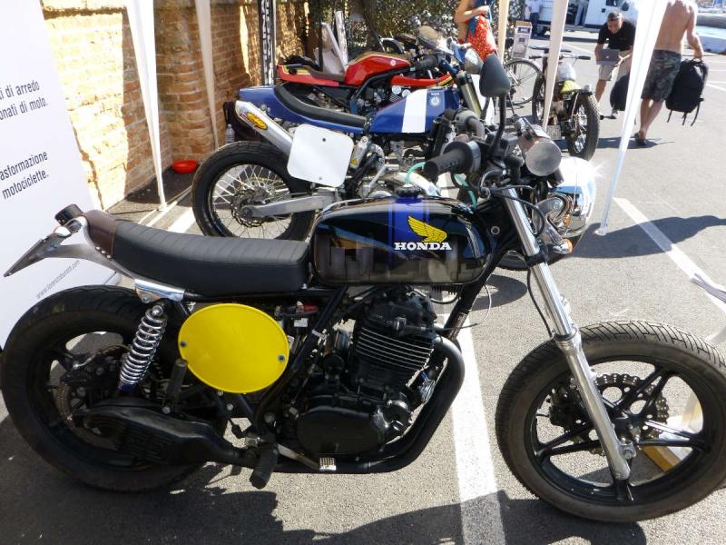 Brochette de Honda !!!!! P1040012