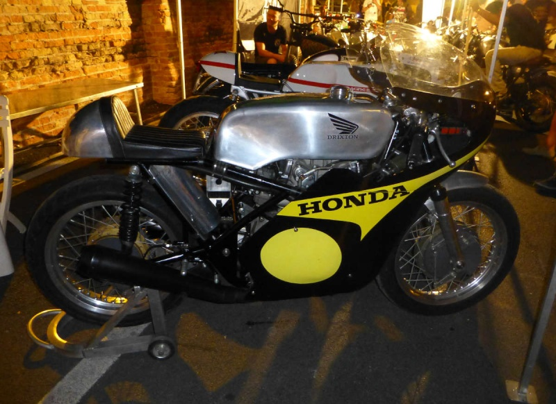 Brochette de Honda !!!!! P1040210