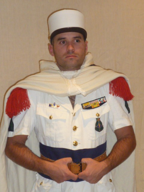 Caporal de la 4éme Compagnie Saharienne Portée de la Légion, en tenue de parade à Colomb-Béchar (1956) P1030225