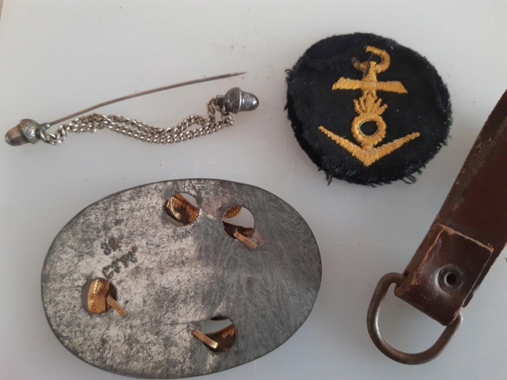 Divers insignes Allemand et curiosités  Resiz621
