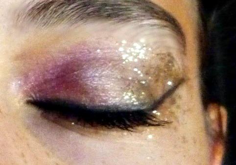 Idée de maquillage - Page 9 P1070511