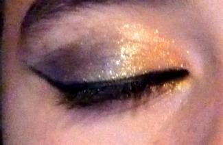 Idée de maquillage - Page 9 P1070512