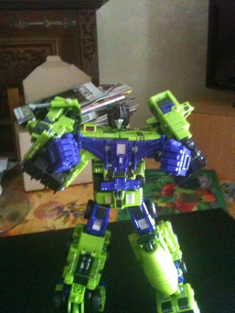 Vos montages photos Transformers ― Vos Batailles/Guerres | Humoristiques | Vos modes Stealth Force | etc - Page 4 Img_0214