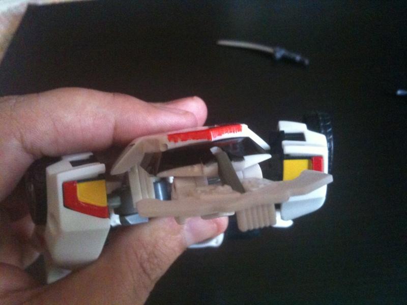 Astuces pour customiser vos Figurines (Peinture, Gundam marker, Aéographe, etc) - Page 4 Img_0615