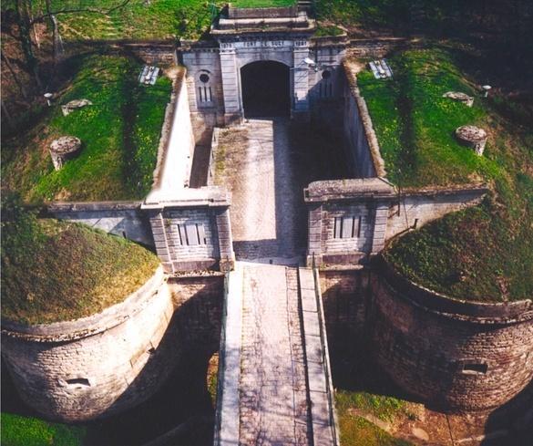 Découvrez le fort de Sucy et son système de défense Fort_d10