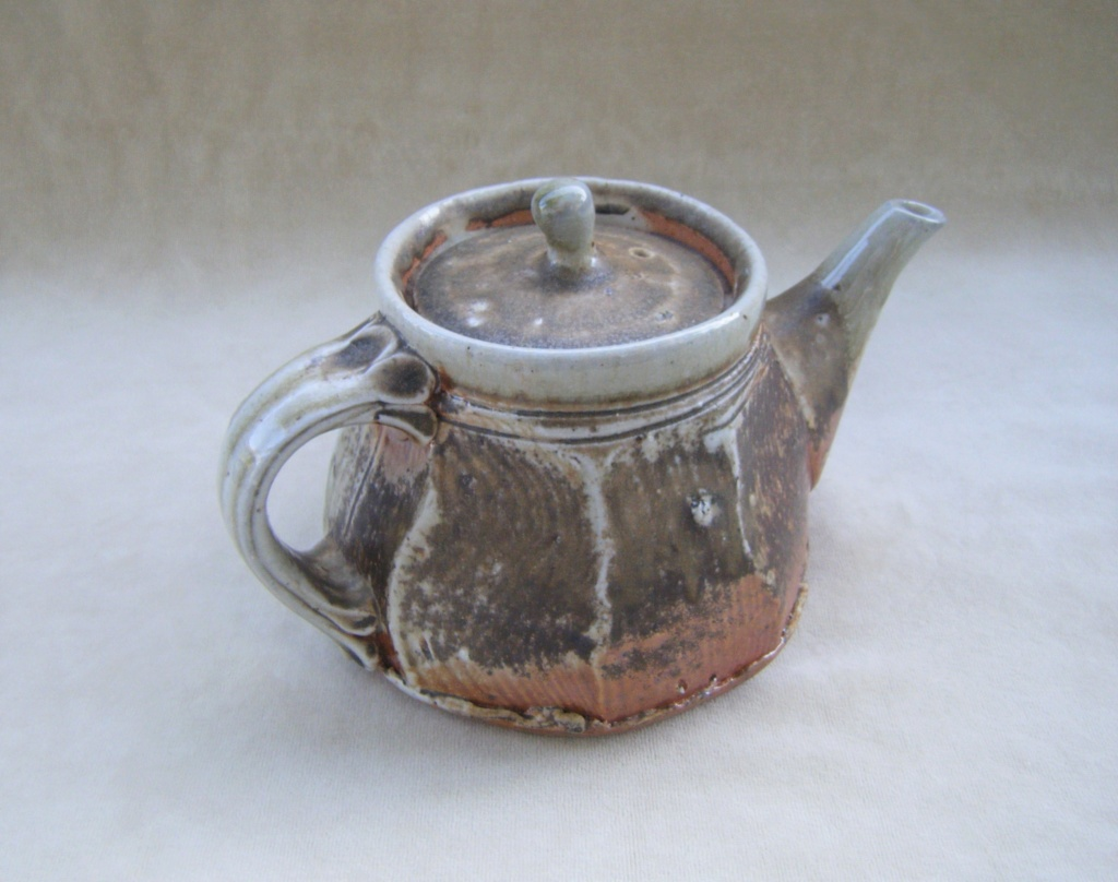 Pottery teapot is by Gyan Daniel Wall from Oz Tpot_a11