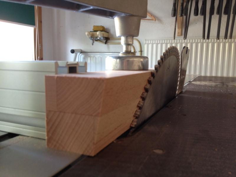 Table avec pieds en biais Img_2012