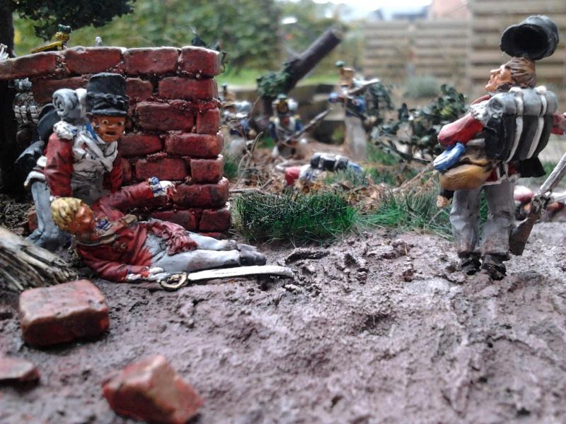 Projet diorama des combats à la ferme Hougoumont de Waterloo - Page 2 2012-110