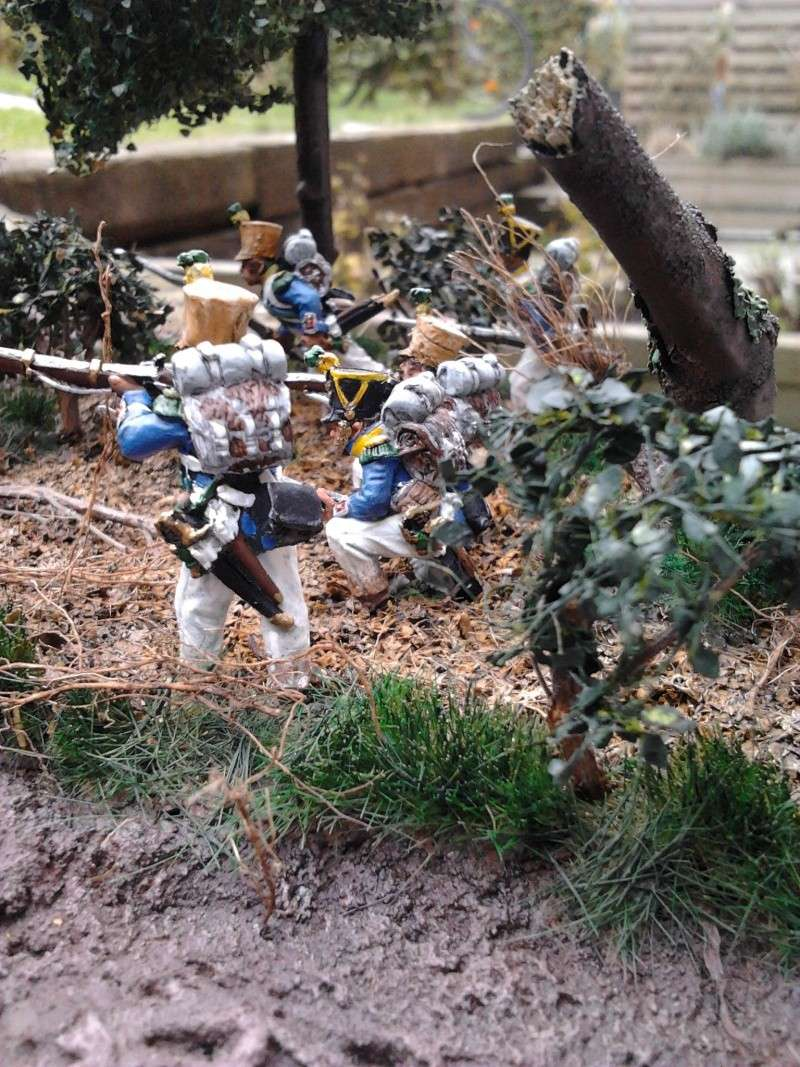 Projet diorama des combats à la ferme Hougoumont de Waterloo - Page 2 2012-114