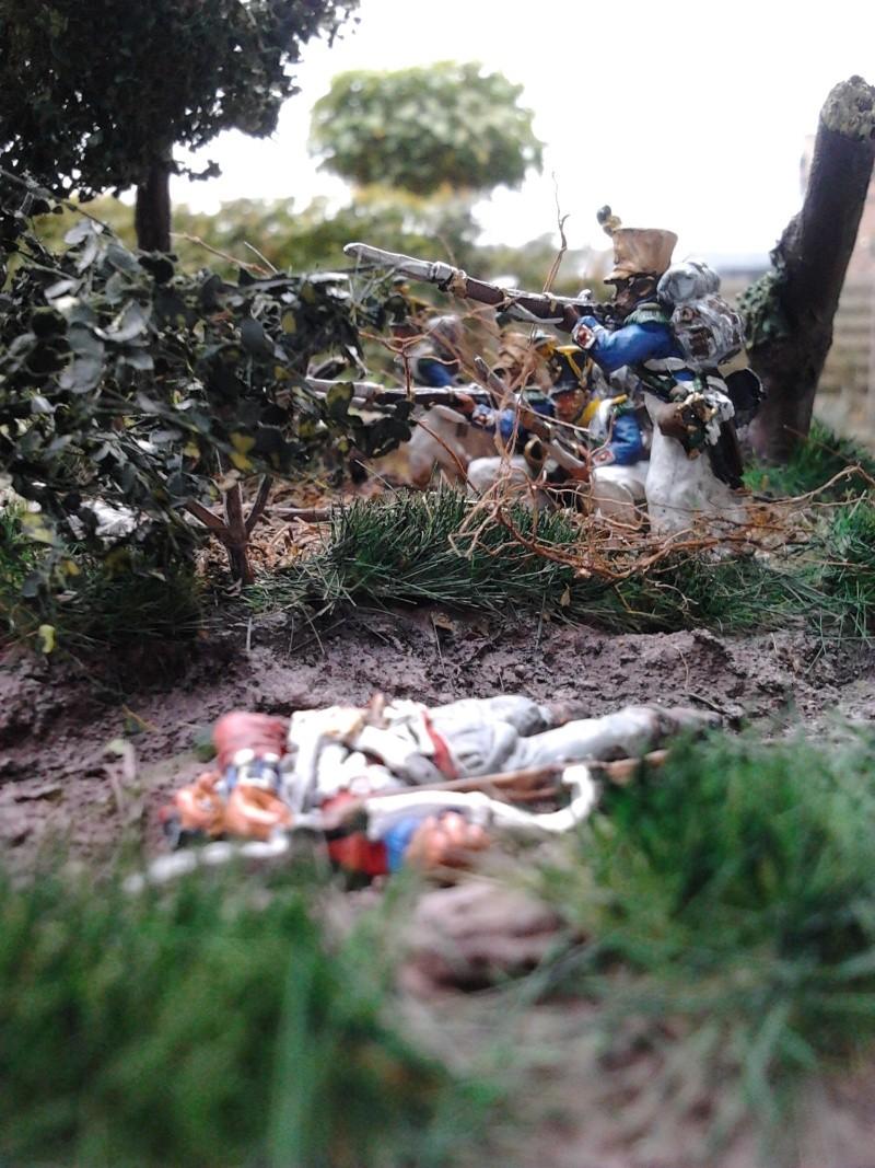 Projet diorama des combats à la ferme Hougoumont de Waterloo - Page 2 2012-116
