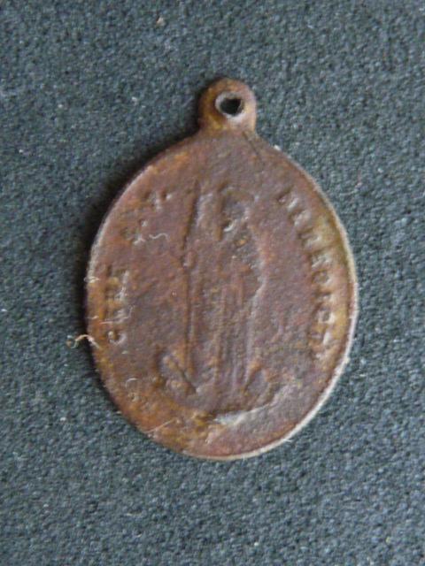 petite médaille St-Benoît  P1100412