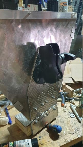 Porta bote custom : Porte sondeur  20190511