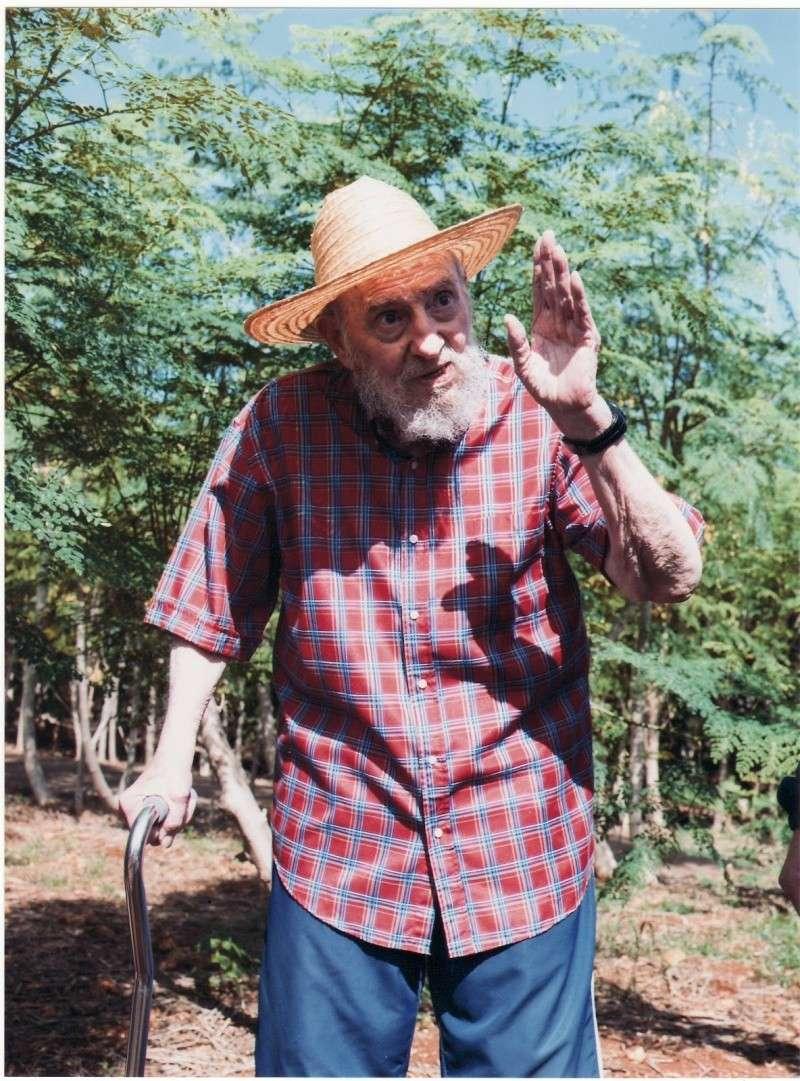Fidel Castro está agonizando (fotos)  Scan2010