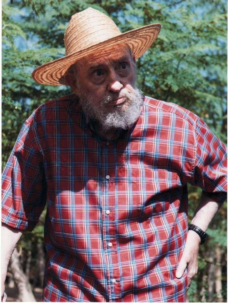 Fidel Castro está agonizando (fotos)  Scan2022