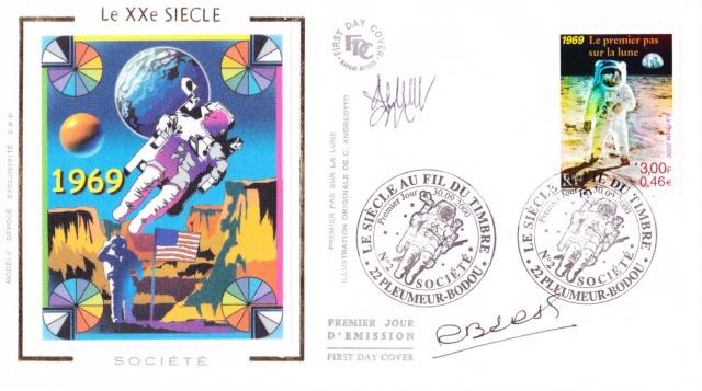 Astrophilatélie - Timbre Apollo 11 émis par la France le 30 septembre 2000 2000_013