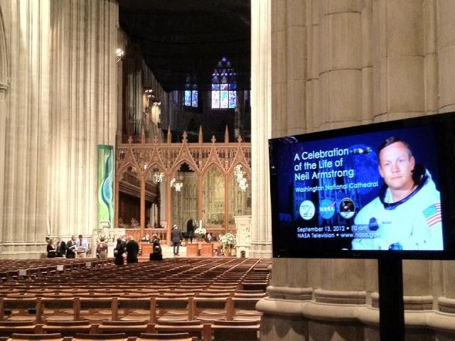 Cérémonie commémorative par la NASA - 13 septembre 2012 30393512