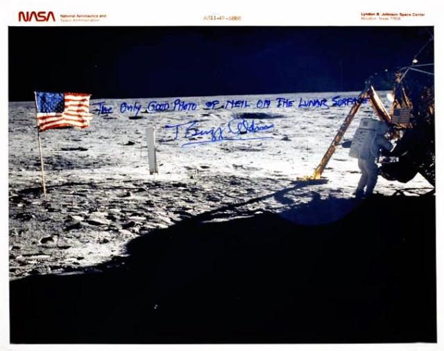 Neil Armstrong : La seule véritable photo de lui - en entier - sur la Lune Apollo19