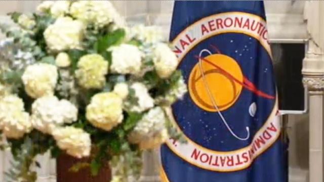 Cérémonie commémorative par la NASA - 13 septembre 2012 Capt_h14