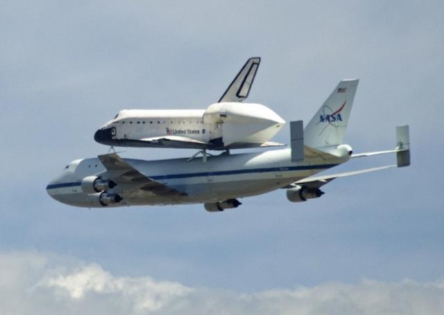 La navette spatiale Endeavour s'envole pour le California Science Center de Los Angeles Endeav26