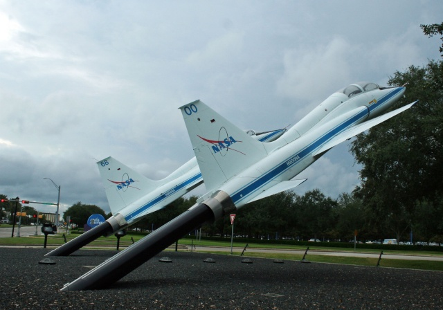 Les T-38N de la NASA exposés devant le Space Center de Houston Img_1017