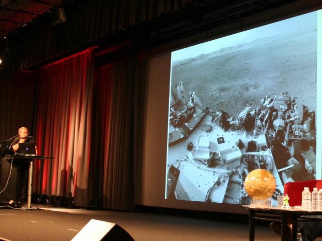 11 août 2012 - Premières Images de Curiosity - Cité des Sciences et de l'Industrie à Paris Img_9414