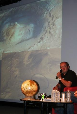 11 août 2012 - Premières Images de Curiosity - Cité des Sciences et de l'Industrie à Paris Img_9511