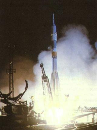 30ème anniversaire de la mission Soyouz T-7 Soyouz12