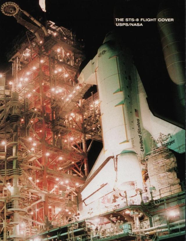 La première enveloppe ayant voyagé à bord d'une navette spatiale - Mission STS-8 Sts-8_10
