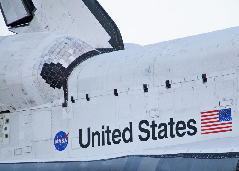 La navette spatiale Endeavour s'envole pour le California Science Center de Los Angeles Transf12