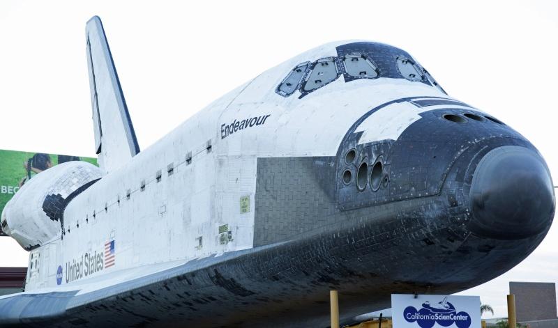 La navette spatiale Endeavour s'envole pour le California Science Center de Los Angeles Transf15