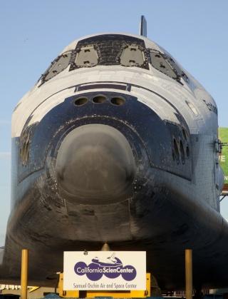 La navette spatiale Endeavour s'envole pour le California Science Center de Los Angeles Transf18